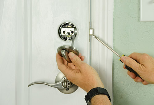 how much are the services of a locksmith in Islington