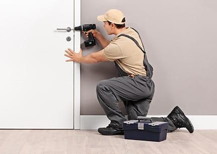 when to call Camden locksmiths